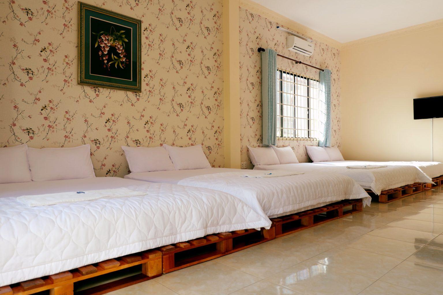 phong tap the biet thu vung tau ali 2 rong 60m2, co the su dung cho 10 nguoi, rong rai, thoang mat, toilet rieng bon tam dung.