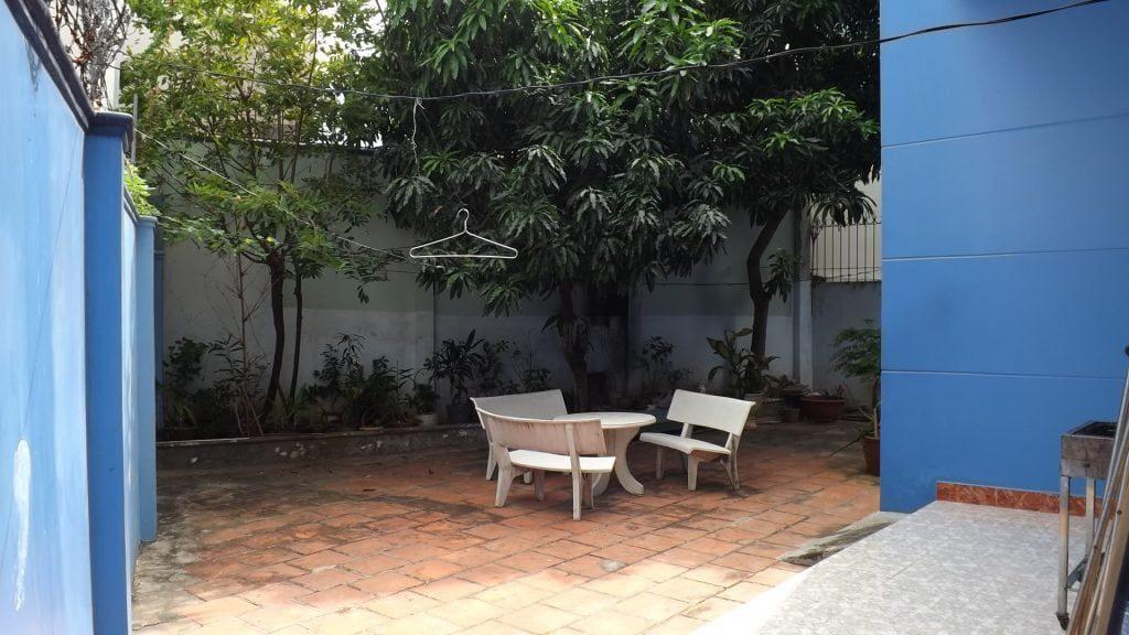 Sân vườn sau biệt thự Ali 6