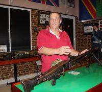 Bảo tàng vũ khí cổ của người đàn ông ngoại quốc