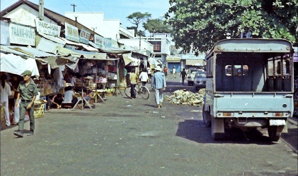 Mot khu cho o Vung Tau nam 1970