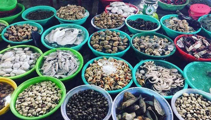Hình ảnh Khám phá khu chợ Bến Đình Vũng Tàu đầy ắp hải sản 4
