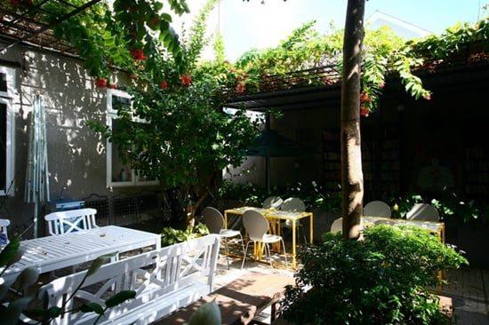hinh-anh-quan-cafe-sach-vung-tau-dep-lung-linh-3